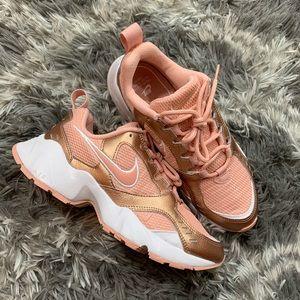 Nike Air Height Women's Shoe